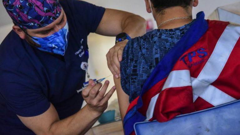 Los Ángeles suspende la vacunación por el fin de Semana Santo