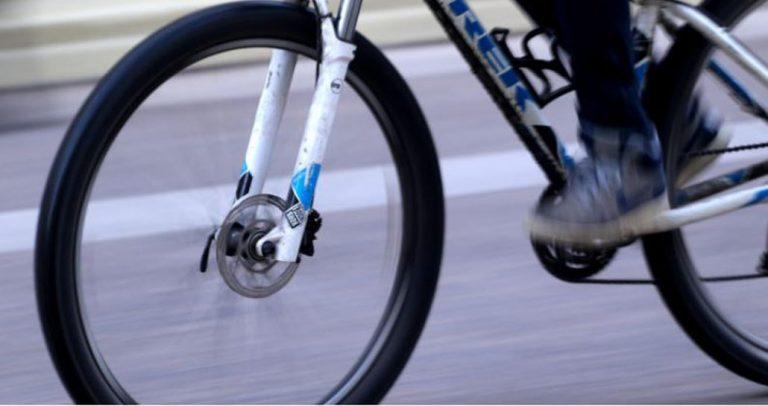 Los Ángeles: detiene a sujeto que se había robado una bicicleta a punta de golpes