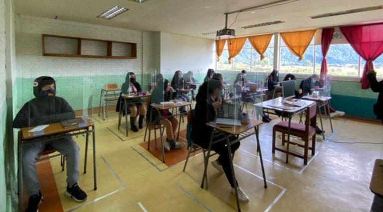 Retorno a clases presenciales: Gobierno confirma 43 colegios con casos de Covid-19