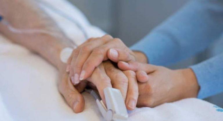 Adulta mayor con covid fue multada por no cumplir cuarentena en su casa: estaba internada en una clínica