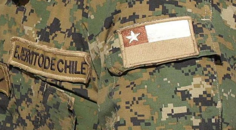 Militares sorprendidos en una fiesta clandestina de Angol fueron separados de sus funciones