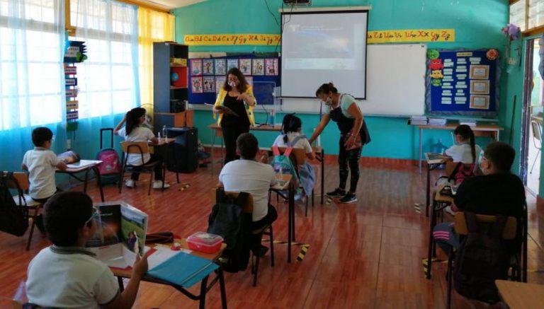 Paris y clases en pandemia: «El niño pobre va a estar mejor en el colegio que en su casa»