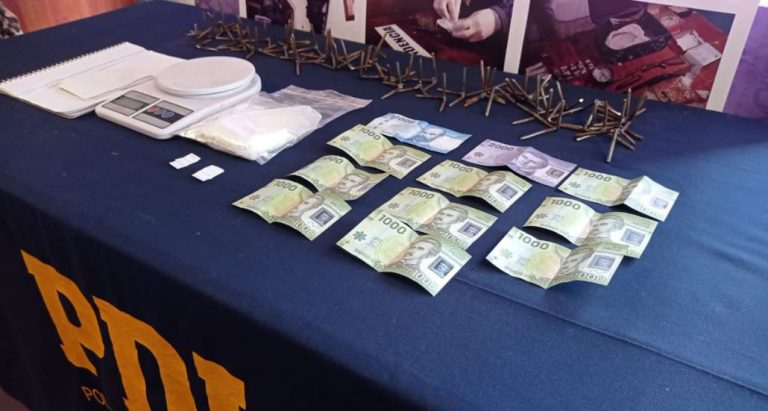 Dos hombre y una mujer fueron detenidos en Cabrero por tráfico de drogas: más de 300 dosis incautadas