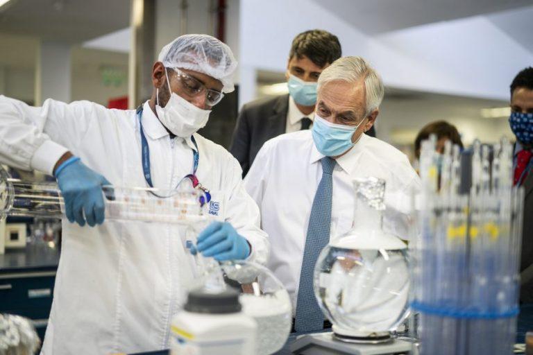 Piñera llega a acuerdo con laboratorio CanSino para 1,8 millones de vacunas