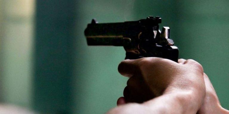 Los Ángeles: detienen a sujeto que intentó robar una furgoneta a mano armada