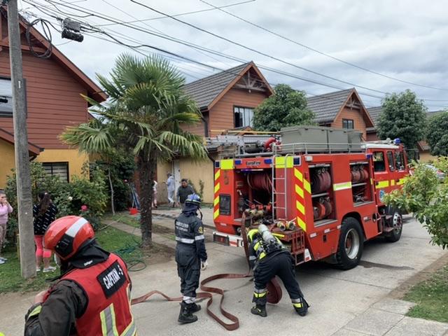 Los Ángeles: Incendio afecta a vivienda en Condominio El Avellano