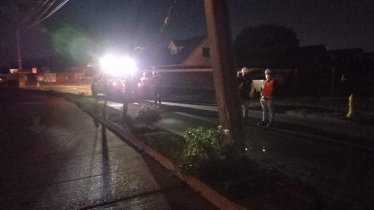 Los Ángeles: Conductor choca poste y dejó a mil familias sin luz
