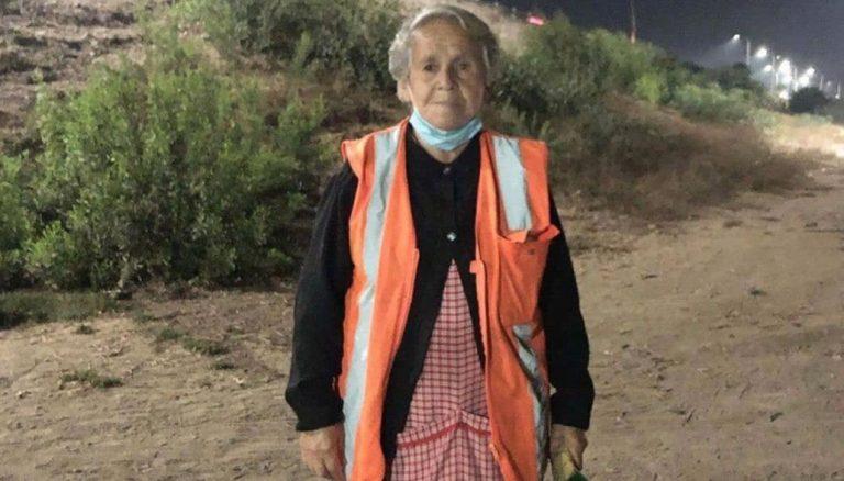Dirige el tránsito con 82 años porque no alcanza a vivir con la pensión: Farkas anunció ayuda