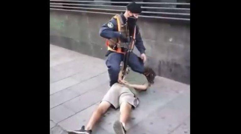 Armada aclara polémica detención en Valparaíso: hombre fue reducido con un fúsil en la espalda