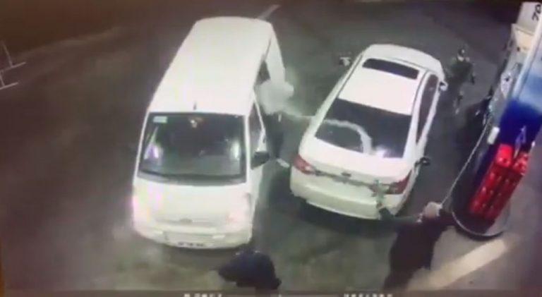 Nunca se lo esperaron: hombre frustró encerrona rociando con bencina a delincuentes