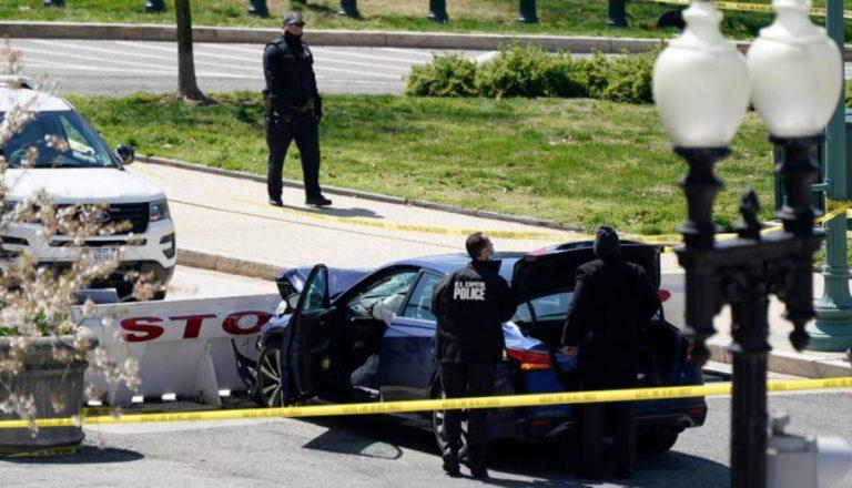 Sujeto embistió a policías con su auto en las cercanías del Capitolio: un agente y el agresor fallecieron