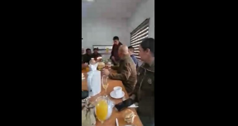 Mayor de Carabineros que estuvo en fiesta dentro de una comisaría renunció a su cargo