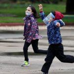 Ministro de Educación pide adecuar horario de clases para que niños puedan hacer deporte