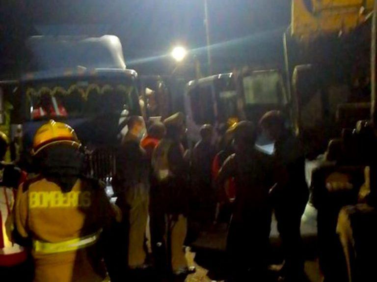Colisión triple de camiones en Puente Renaico corta la ruta a Nahuelbuta