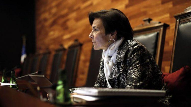 Dudas por imparcialidad: rechazan inhabilitar a presidenta del TC, María Luisa Brahm