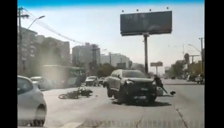 Registran atropello de motociclista tras discusión: habría amenazado de muerte a conductor