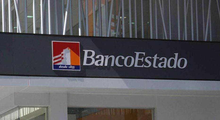 clienta del banco estado de mulchén fue víctima de un millonario robo.