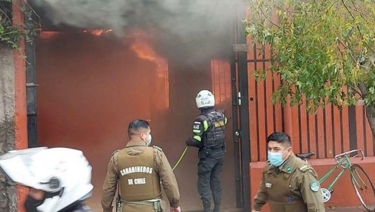 Incendio en una casa con hacinamiento: menor de tres años falleció y una de 11 está en riesgo vital