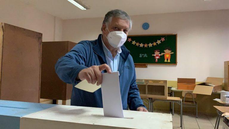 Esteban Krause ya votó: «espero que mis vecinas y vecinos reconozcan la labor»