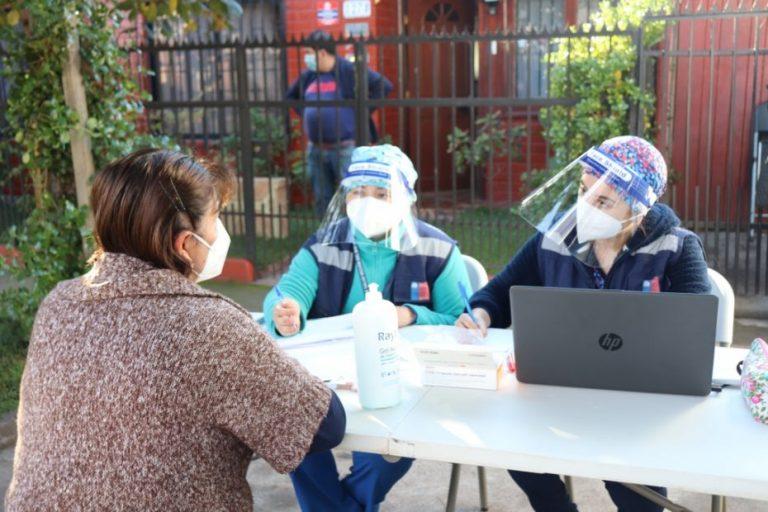 Los Ángeles: Vacunatorio móvil en Villa Todos Los Santos inoculó a casi 150 personas