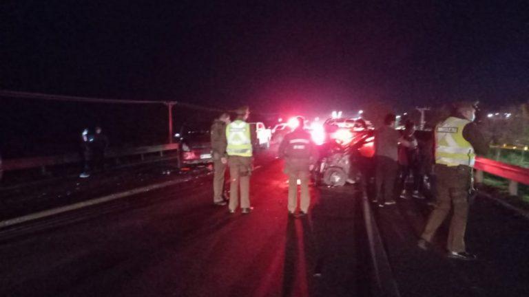 Dos camionetas y un auto protagonizan colisión en Los Ángeles