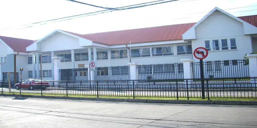 Colegio Saint George expulsion