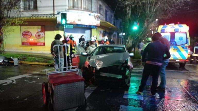 Los Ángeles: 4 lesionados tras colisión frontal en Plaza Pinto