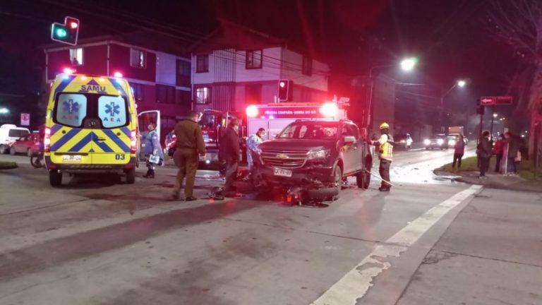 Motorista muere en colisión con camioneta en Los Ángeles