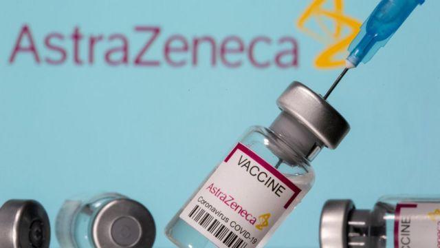Minsal suspende la vacunación de AstraZeneca en todo el país a menores de 45 años