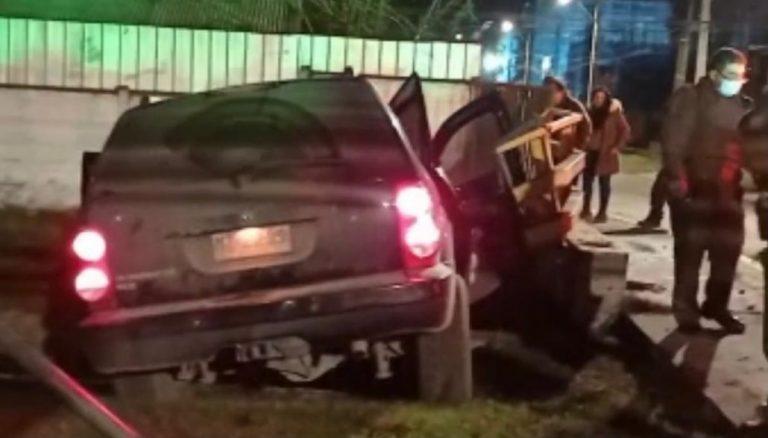Delincuentes protagonizan accidente con auto robado en Los Ángeles