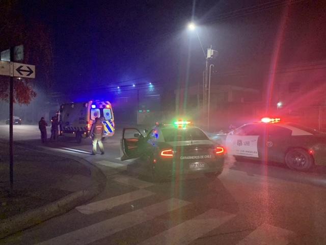 Hombre resulta atropellado por motorista en Los Ángeles