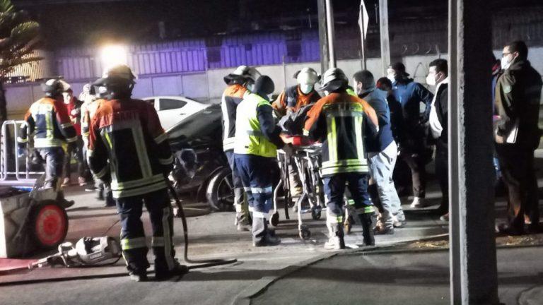 Dos personas heridas tras choque a alta velocidad en Los Ángeles