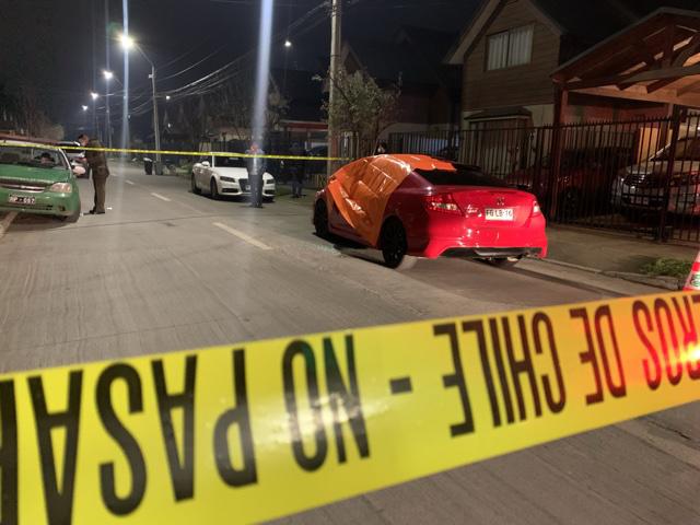 Hombre fue asesinado a balazos en su auto en Los Ángeles
