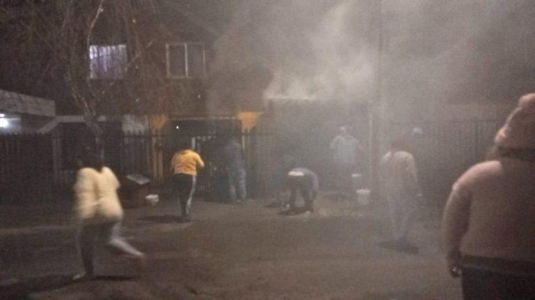Incendio afectó a una vivienda en el sector sur de Los Ángeles
