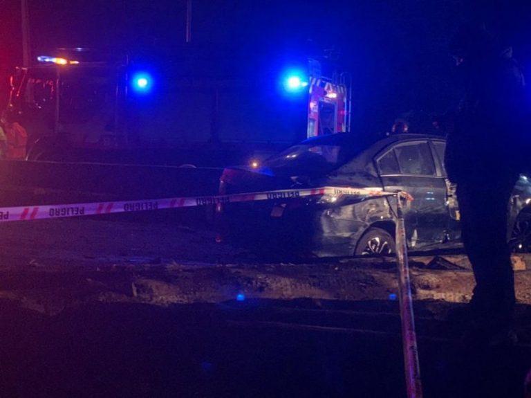 Camión pierde su carga y mata a dos personas en la Ruta 160: Hay 6 heridos