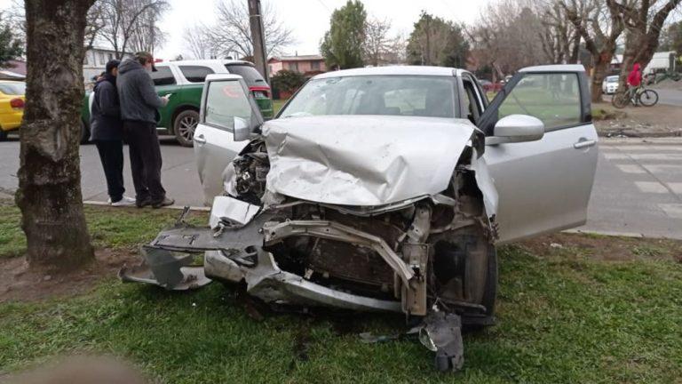 Los Ángeles: colisión a alta velocidad dejó dos personas lesionadas