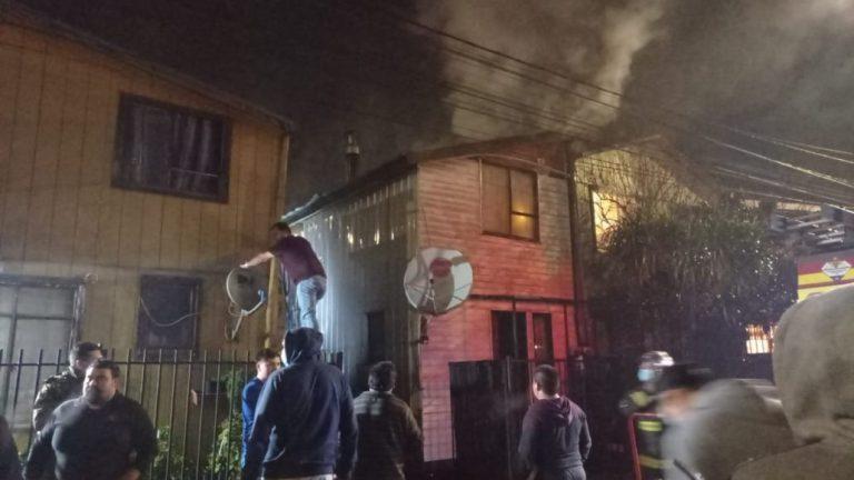 Incendio afecta a una vivienda en la Villa Las Américas de Los Ángeles