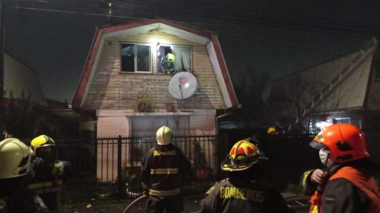 Casa estuvo a punto de quemarse por inflamación de estufa en L.A