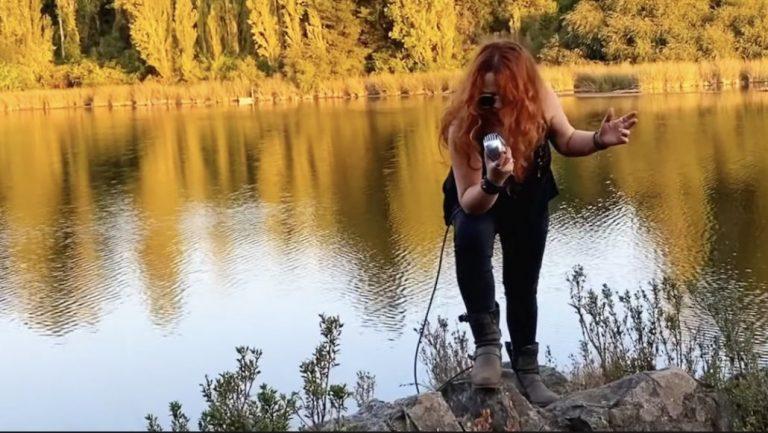 El blues rock rutero de La Rox destaca en videoclip con locaciones del Biobío