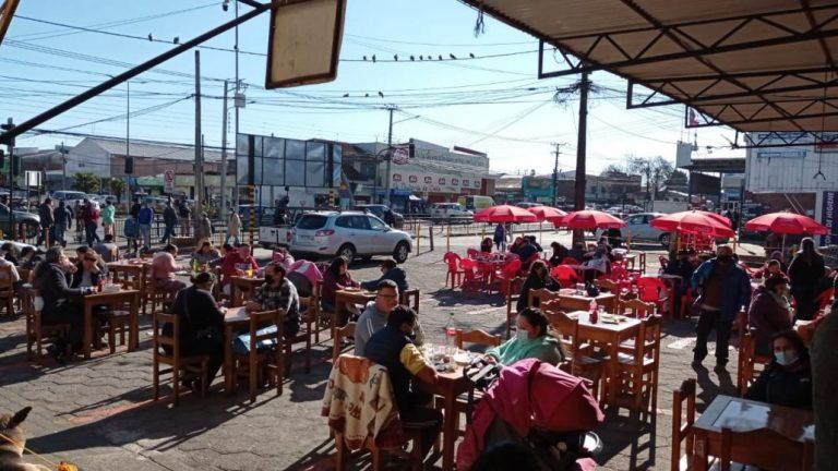 Locatarios de la Vega sacan cuentas alegres tras reapertura de terrazas