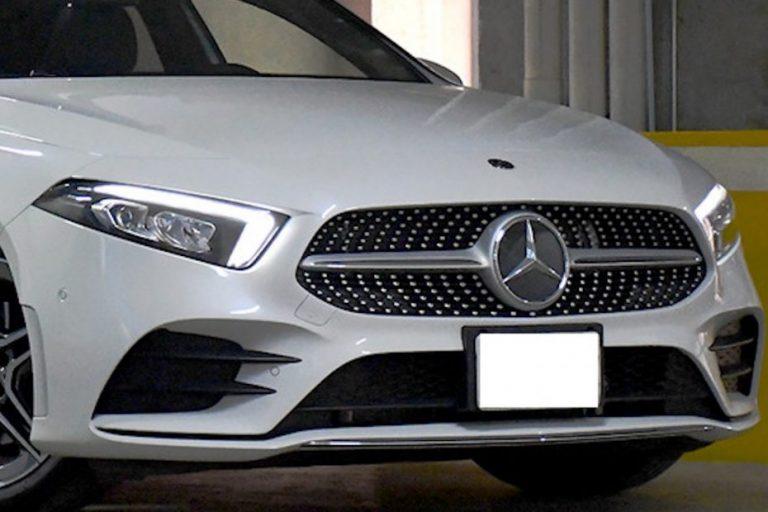 Los Ángeles: Ambulante VIP escapa de Carabineros en un Mercedes Benz