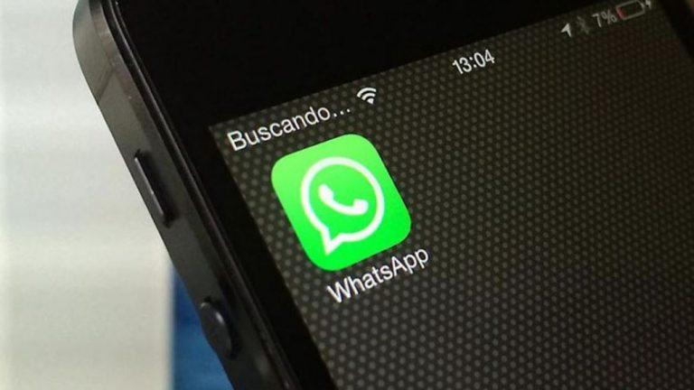 Dosis de refuerzo: Minsal alerta de estafa para robar cuentas de WhatsApp