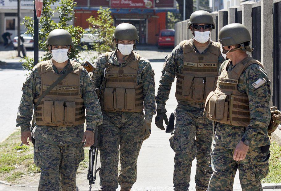 gremios piden terminar con los fiscalizadores armados en restaurantes de los angeles