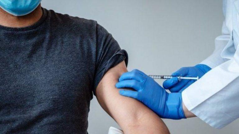 Dosis de refuerzo para vacunados con Sinovac: así será la primera semana del proceso