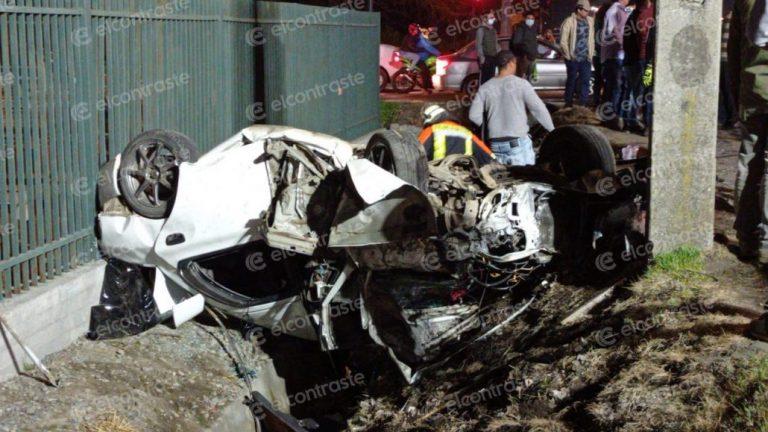 Colisión con posterior volcamiento deja 4 heridos en Los Ángeles