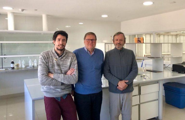 La historia del pionero tratamiento para evitar amputaciones diabéticas que llegó a todo Chile gracias al puerta a puerta