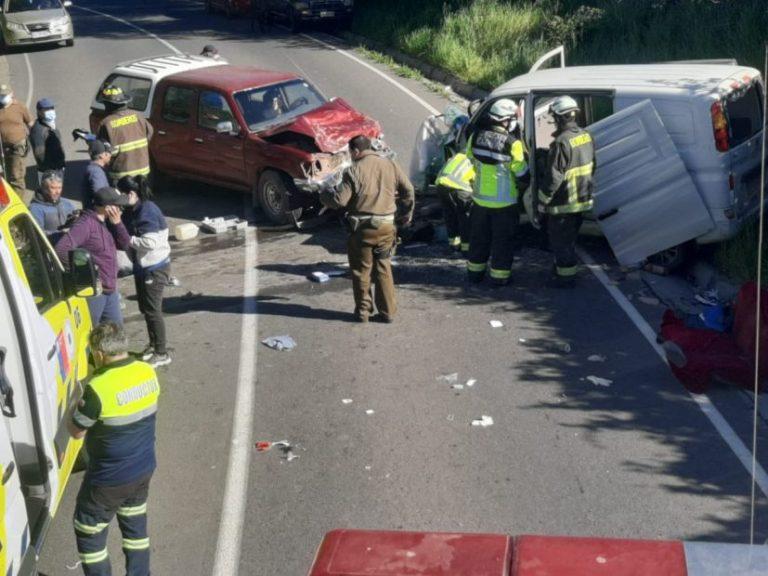 Camioneta y un furgón colisionan en Cabrero: dos lesionados