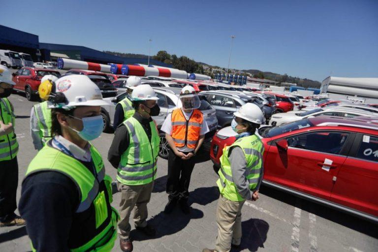 Gobernador Díaz destaca capacidad portuaria tras gigantesco desembarco de autos